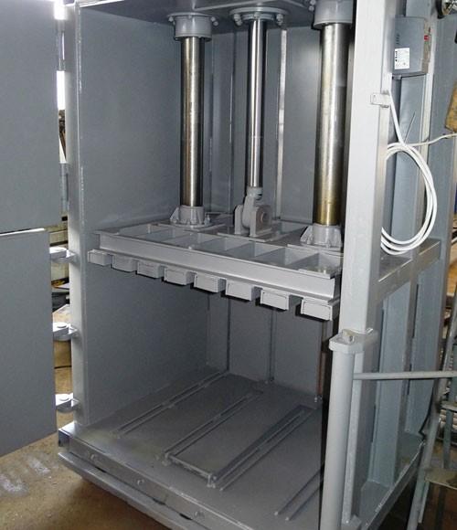 Вертикальный пресс СТАТИКО-24 - вид внутренней камеры
