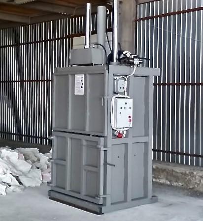 Вертикальный пресс СТАТИКО-30А с автоматическим управлением.